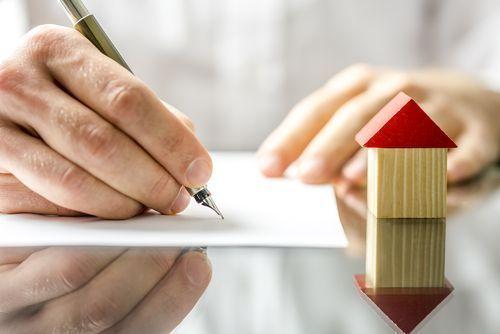 ¿Cómo se inscribe por primera vez una finca en el registro de la propiedad?